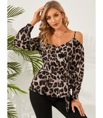 blusa con hombros descubiertos y frente cruzado de leopardo de yoins