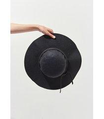sombrero negro 47 street lenna