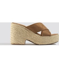 na-kd shoes raffia block heel sandals - brown
