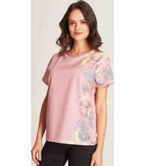 camiseta detalle floral rosado 4