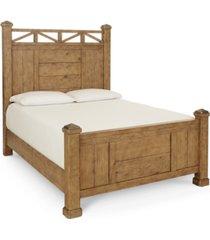 trisha yearwood homecoming king post bed