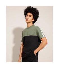 """camiseta de algodão com recorte e faixa lateral no way"""" manga curta gola careca preta"""""""