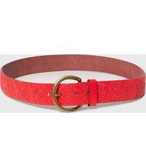 cinturón rojo desigual