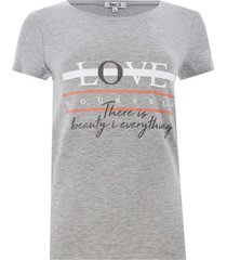 camiseta con screen color gris, talla s