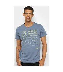 camiseta colcci stop thinking masculina