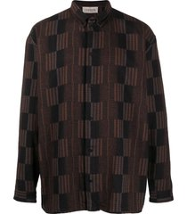 tom wood geometric-jacquard long sleeved shirt - brown