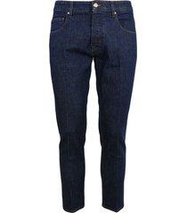 5-pocket dark wash jeans