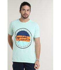 "camiseta masculina ""tropical paradise"" manga curta gola careca verde claro"