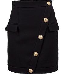 short buttoned skirt