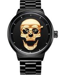 gli uomini del cranio di modo guardano l'orologio semplice dell'acciaio inossidabile dell'orologio del quarzo di stile impermeabile