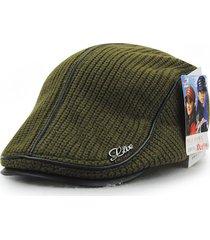 sombrero, knit cap en el viejo hombres invierno grueso-