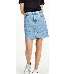 tommy hilfiger women's recycled denim skirt denim light - 25