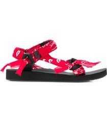 arizona love trecky bandana-print sandals - red