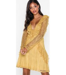 nly eve lace flounce ls dress skater dresses