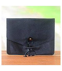 leather e-reader case, 'distinguished reader in black' (indonesia)