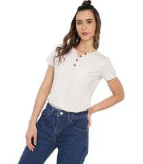 camiseta con botones de mujer licrada-marfil polovers