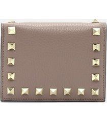 valentino garavani rockstud wallet in grained leather