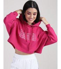 """blusão de moletom feminino manu gavassi cropped oversized """"different"""" com capuz pink"""