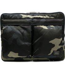 porter-yoshida & co camouflage-print laptop case - green