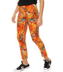 pantalón naranja nylon