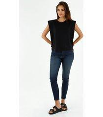 camiseta de mujer cuello redondo con efecto de bolero color negro