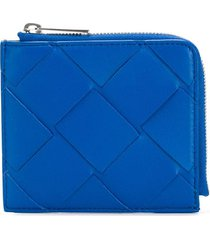 bottega veneta maxi weave zip-around wallet - blue