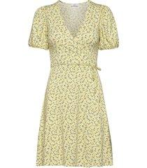enmanon ss v-n dress aop 5329 kort klänning gul envii