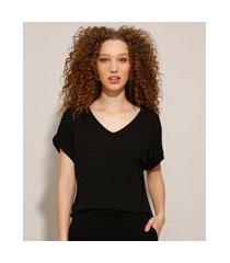 blusa básica gola v manga curta com dobra preta