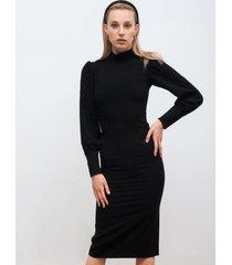 sukienka ołówkowa z bufiastym rękawem