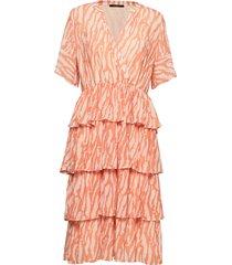 gloss marin dress bz knälång klänning orange bruuns bazaar