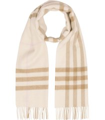 burberry the classic check cashmere scarf - brown