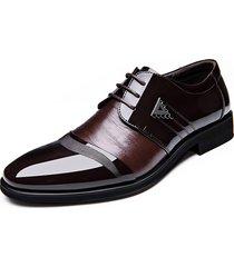 uomo scarpe formali a punta di contrasto in colore con splicing da allacciare