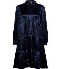 midi length dress in shiny quality kort klänning blå scotch & soda