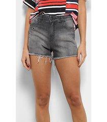 short jeans coca-coca hot pants cintura média feminino