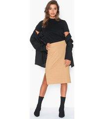 nly trend soft feel skirt midikjolar