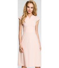 sukienka z szerokim pasem