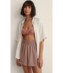 na-kd trend shorts med en loose fit och en midja med knytsnöre - pink