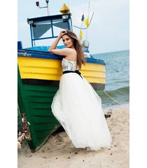 sukienka ślubna tiulowa