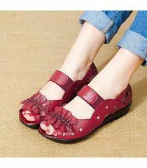 sandali in cuoio traforato con elastico