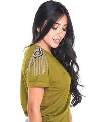 blusa verde oliva con detalle en hombros marca trucco's