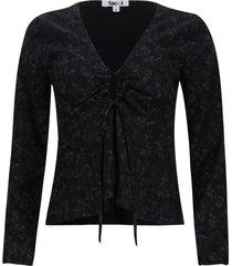 blusa con recogido en frente color negro, talla 8