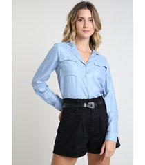 camisa feminina ampla com bolsos manga longa azul claro