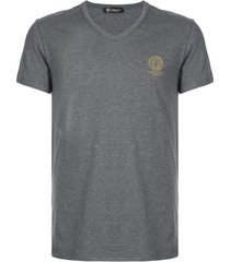 versace camiseta com logo medusa - cinza