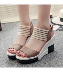 sandali con zeppa open toe di colore misto