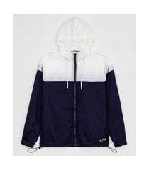 jaqueta esportiva em poliamida com capuz recortes em blocos de cor | get over | multicores | m