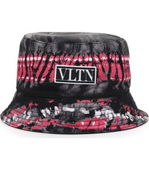 valentino garavani reversible bucket hat