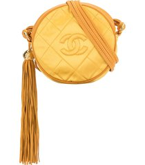 chanel pre-owned 1990s quilted round crossbody bag - yellow