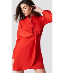 hannalicious x na-kd draped shirt dress - red