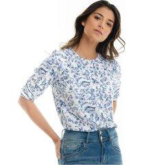 blusa blanca con estampado azul cuello redondo para mujer 97467