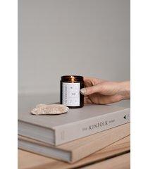 świeca z wosku sojowego o zapachu pierniczków